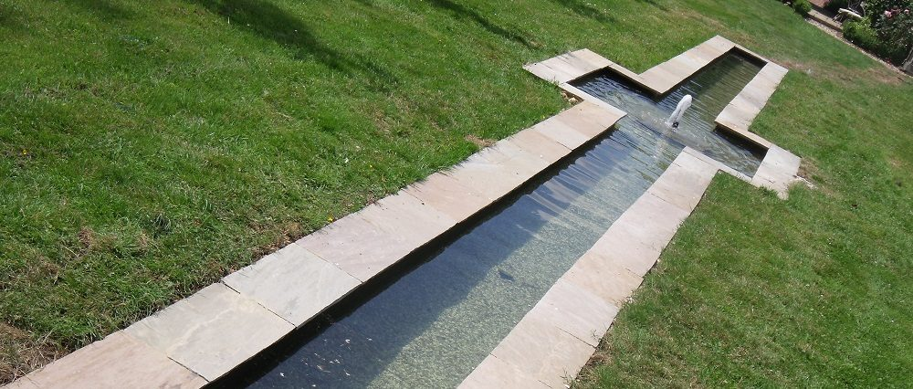 Water Feature Rill & Center Pool